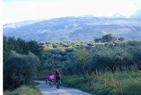 ABRUZZEN-Biketouren: GPS selfguided Trekking Bike Tour Bild 1
